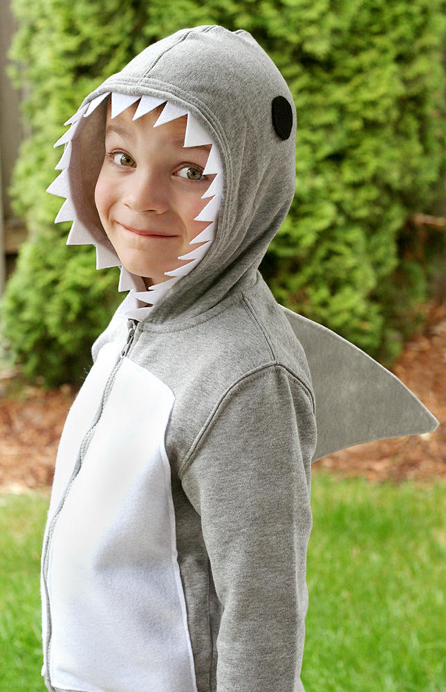 costumes shark model 1000 main banner