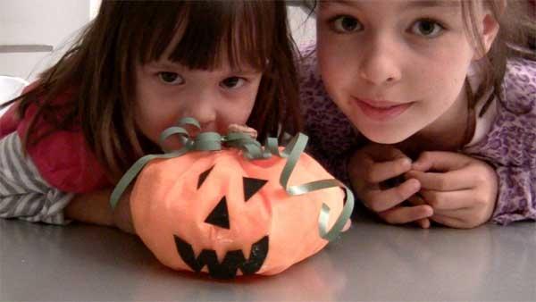 Come Fare Zucca Di Halloween Video.Halloween Come Fare Una Zucca Di Stoffa Video