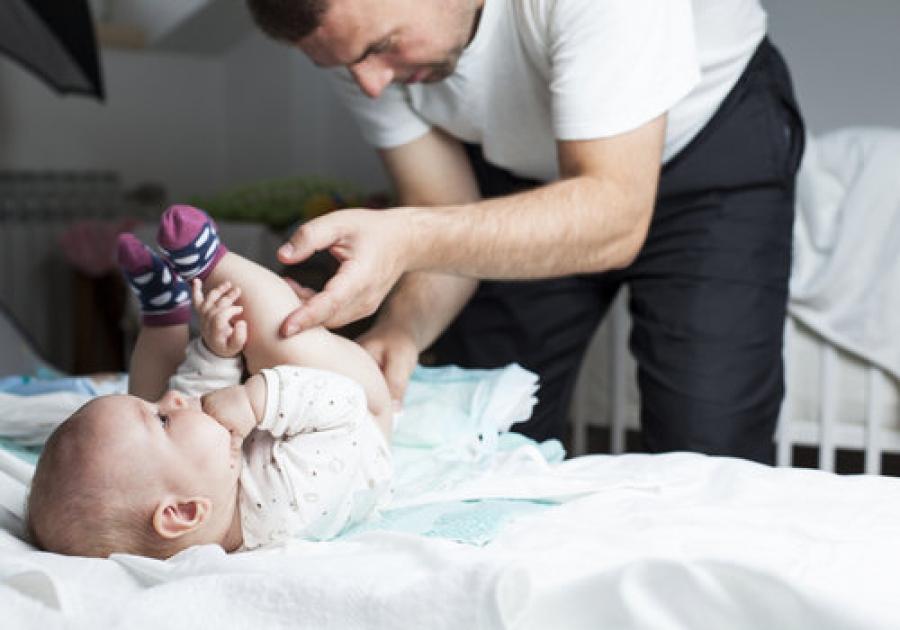 """Non chiamateli """"mammi"""": sono papà che si occupano dei figli"""