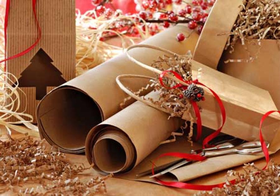 Natale con materiali di riutilizzo